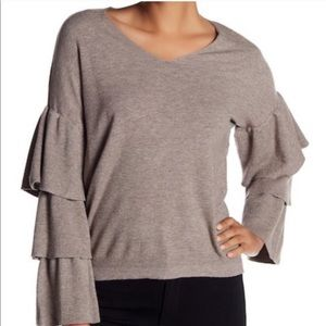 Dreamers sweater with ruffle sleeves
